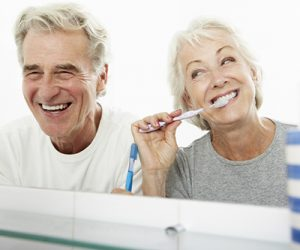 Chăm sóc răng implant đúng cách